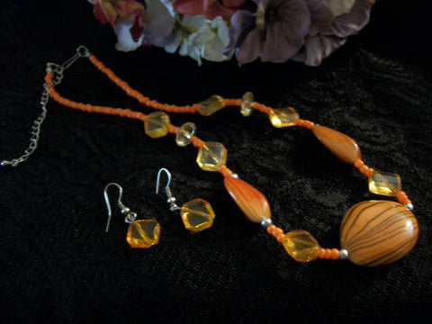 "Necklace and  Earrings Set Orange Brown and Silver Beaded 18"" - 20"" Strand Vintage Fashion Jewelry"
