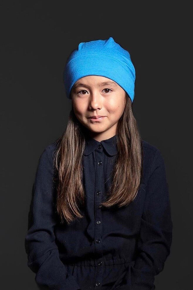 GEEG Teen Beanie for Girls in Turquoise on Model