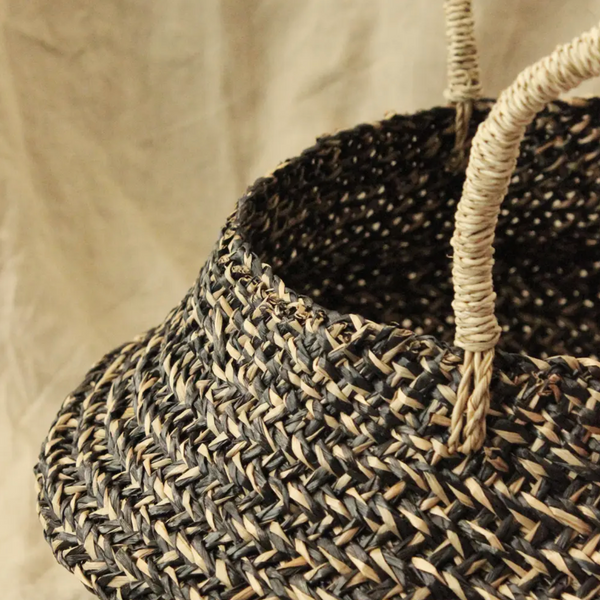 Straw Belly Basket Bag -- Purple Tassels