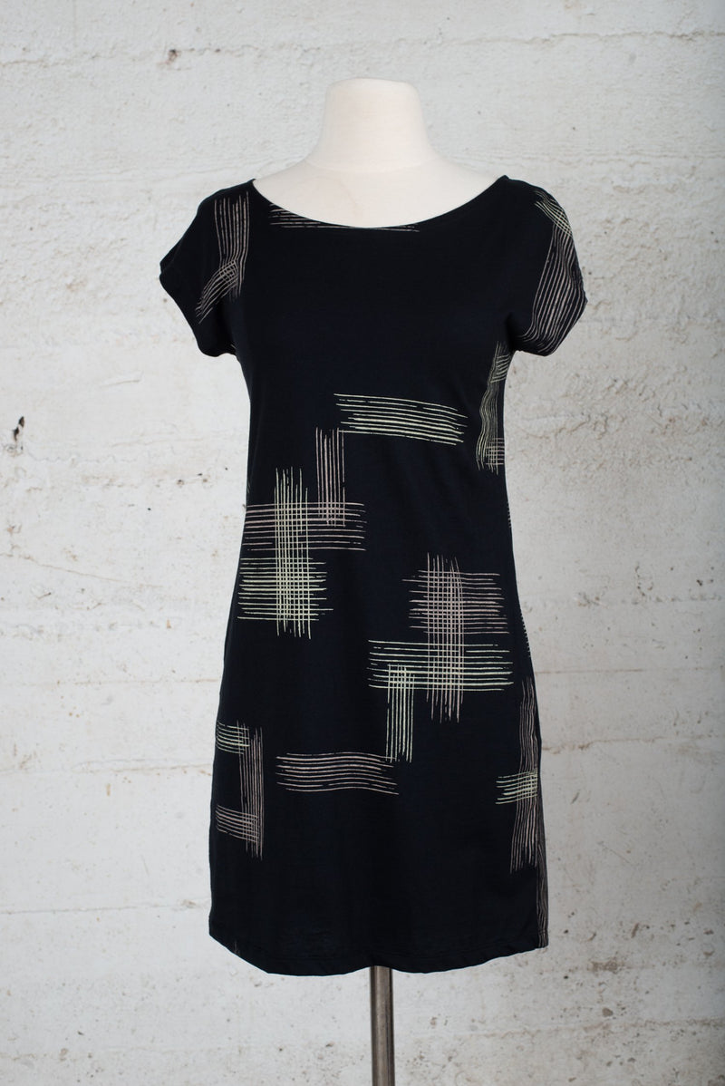 basic t-shirt dress with crosshatch - open closet - x-small - rarely worn