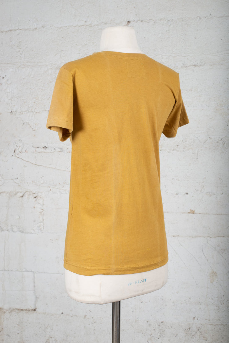 Back angle view of a secondhand t-shirt, ideal for any minimalist capsule wardrobe.