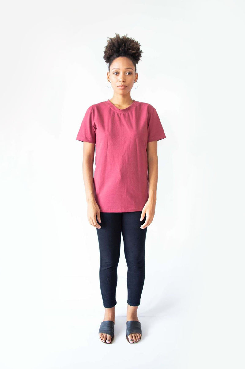 This sustainable fashion t-shirt is a must for any minimalist capsule wardrobe.