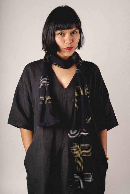 printed cotton jersey scarf - black with crosshatch print