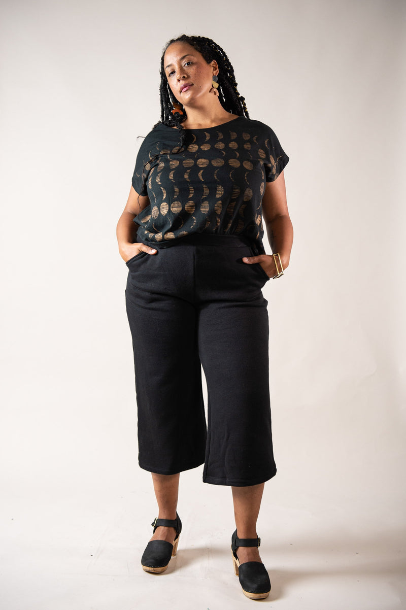 Our ethically made Jorani pants have an easy-on elastic waistband.