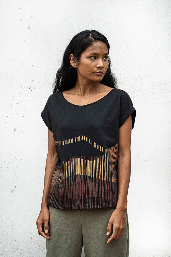 Our Keang top is hand-printed with a mountain range motif.