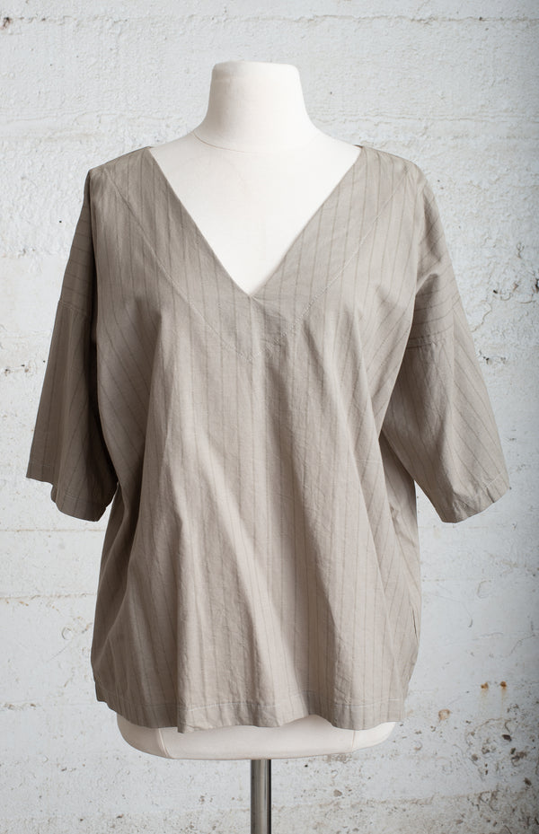 veha top - open closet - small - rarely worn