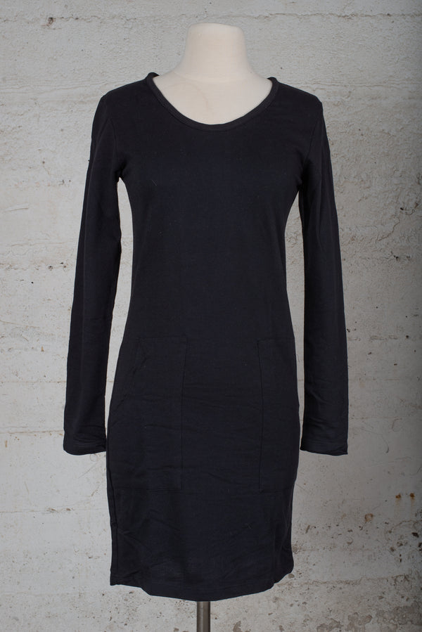 long sleeved t-shirt dress with pockets - open closet - x-small/medium/x-large - rarely worn