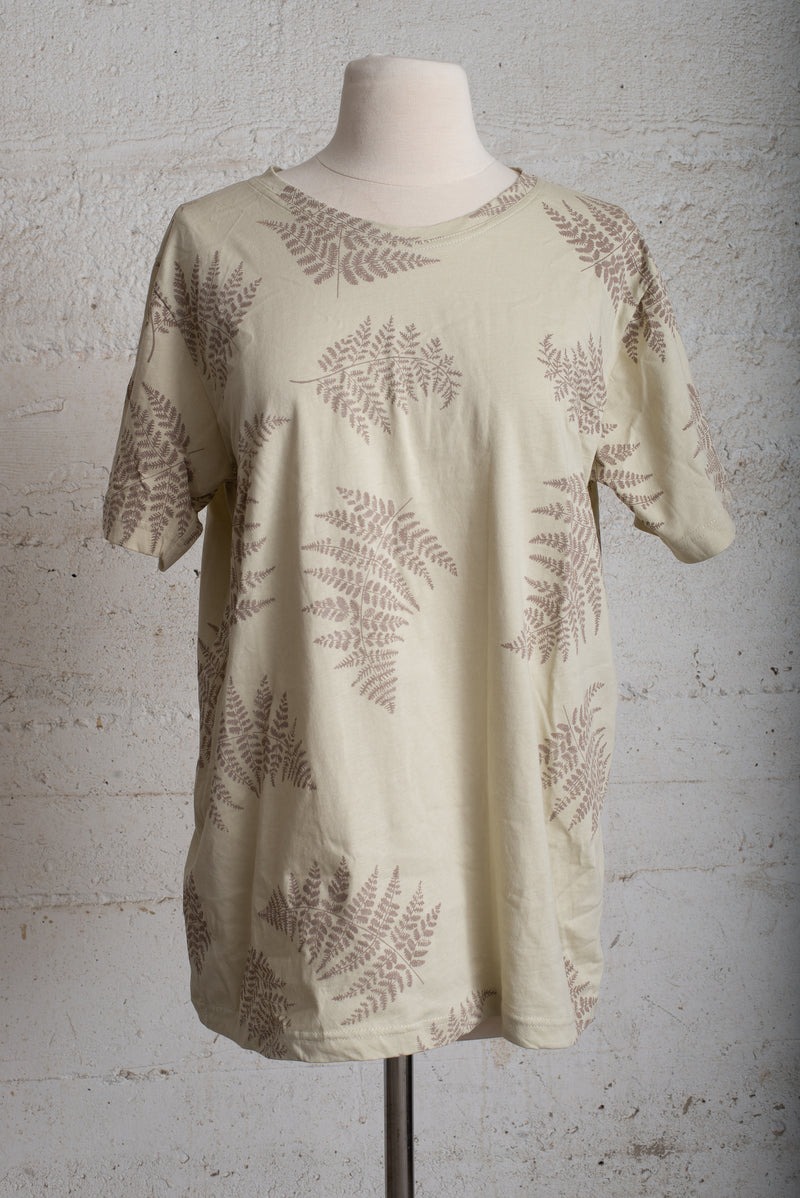 light khaki classic t with fern - open closet - large/xx-large - rarely worn