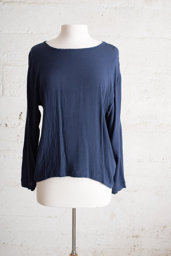 relaxed basic top - navy blue - open closet - small - sample - rarely worn