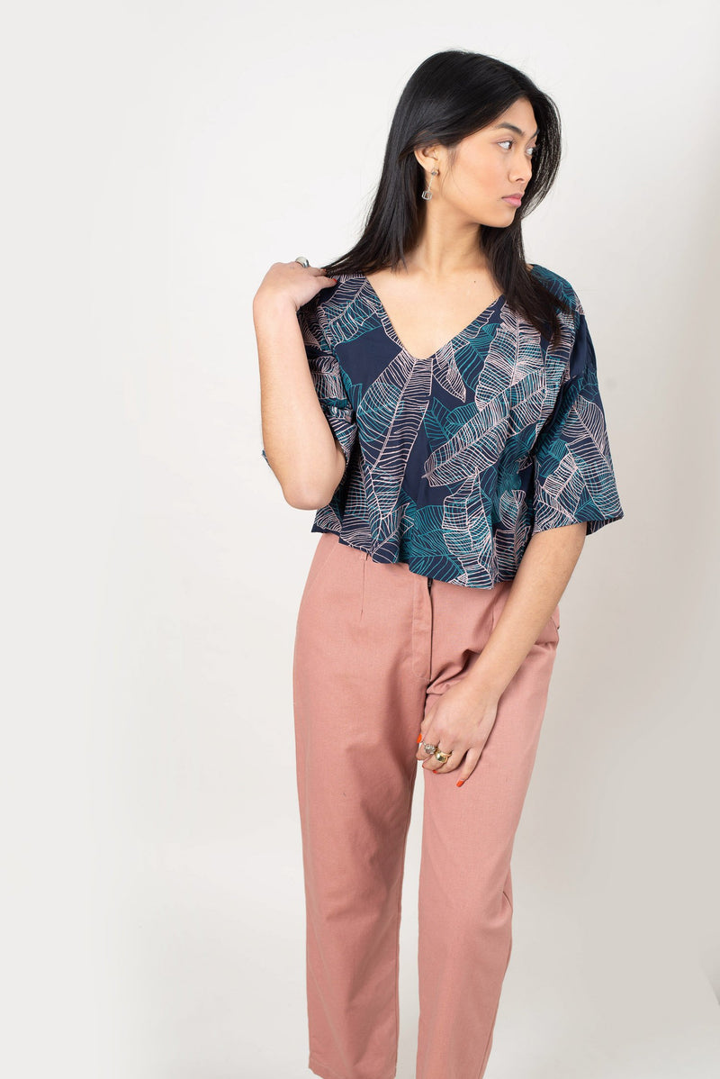 veha top with banana palm print