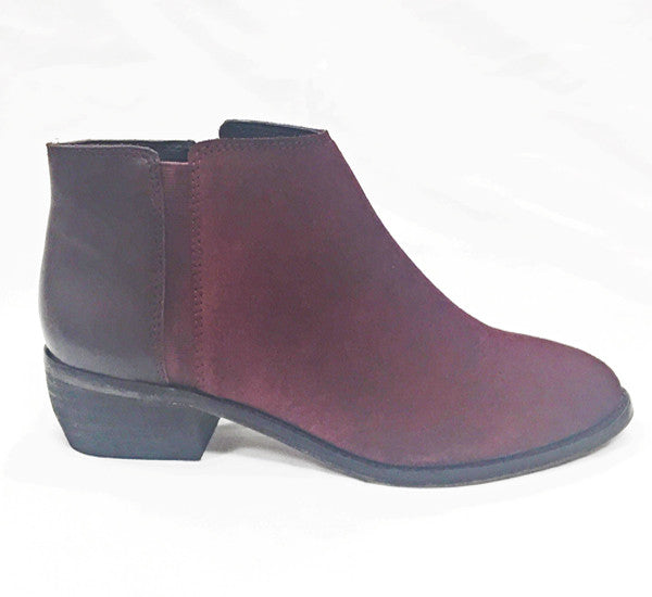 Hush Puppies- Delta (Oxblood Suede)