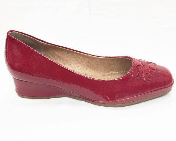 Hush Puppies- Wine (Red Patent)