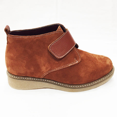 Via Nova- Scarpa (Tan Suede)