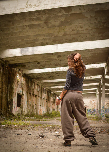 LIGHT BROWN SWEATPANTS