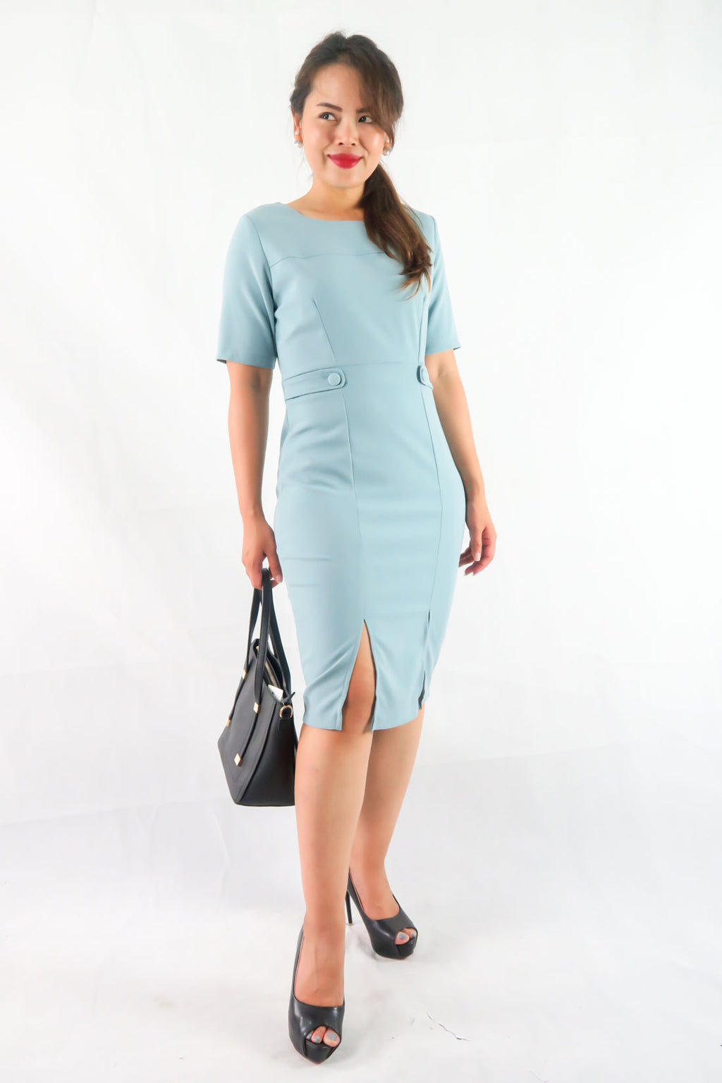 เดรสทรง Slim Fit - Short Sleeves Slim Fit Midi Dress