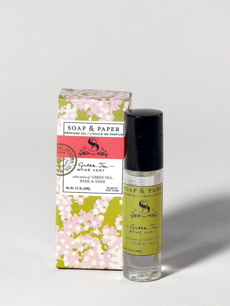 Oil perfume roller green tea is made in the U.S.A. is made in small batches will leave you feeling refreshed and happy.