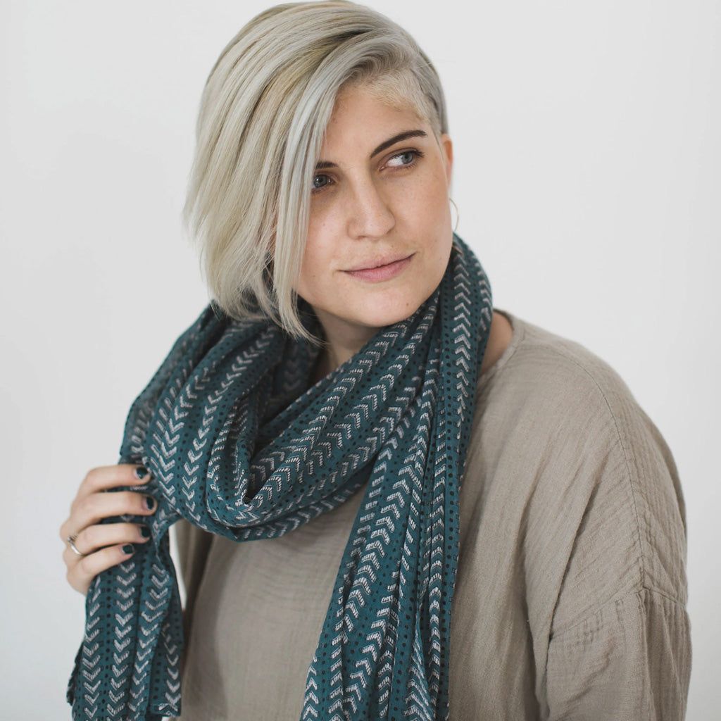 Graymarket bath teal scarf on model