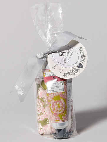 Soap and hand cream set green tea is made in the U.S.A and combines fresh green tea hand cream and shea butter soap.
