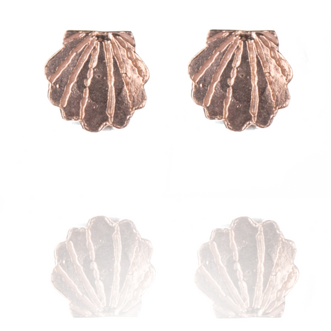 Clamshell stud earrings in rose gold vermeil.