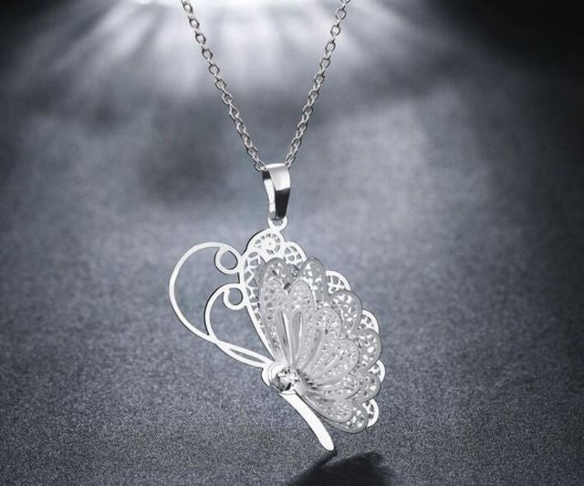 Silver Plated Women Lovely 3D Butterfly Pendant Chain Necklace Jewelry