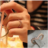 New Fashion V-shaped Unique Design Inlaid Imitation Diamond Finger Ring Size 6