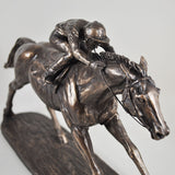 On The Flat Bronze Horse Sculpture by Harriet Glen - Prezents  - 6