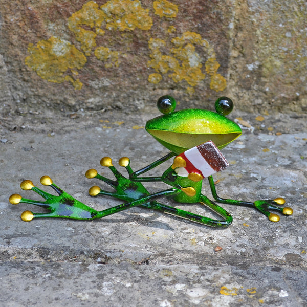 Green Frog with Ice Cream - Prezents.com