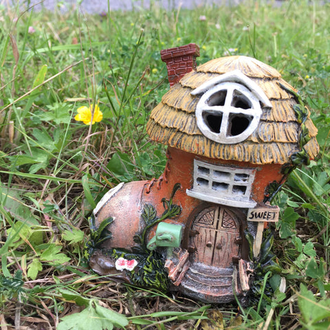 Thatched Boot Fairy House with Lights - Prezents  - 2