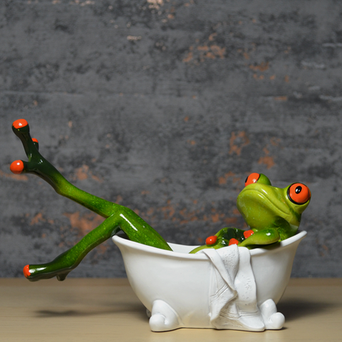 Comical Frogs - In The Bath