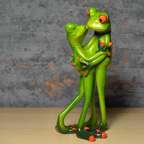 Comical Frogs - Couple Kissing