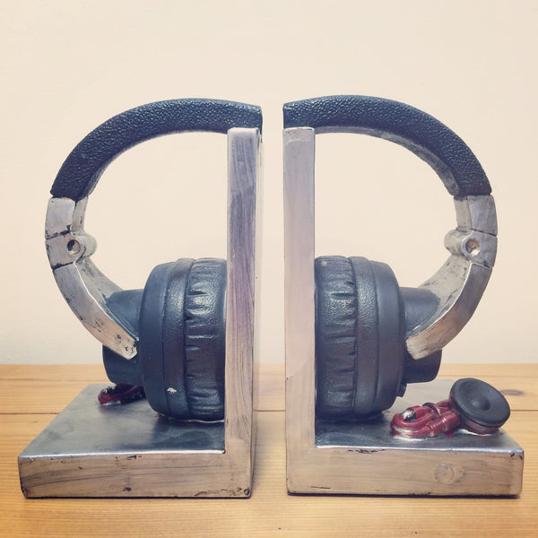 Silver Headphone Shelf Tidies - Prezents.com