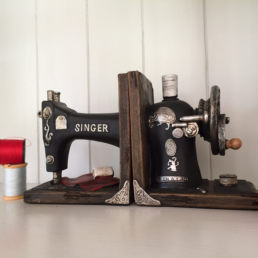 singer sewing machine book ends prezents. Black Bedroom Furniture Sets. Home Design Ideas