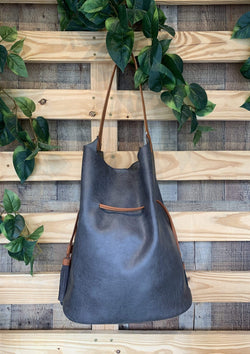 Weekend Getaway Bag in Black