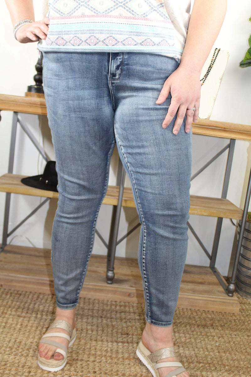 BOTTOMS 20 / LIGHT Let It Be Judy Blue Jeans In Plus