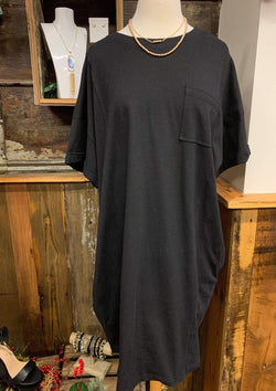 PLUS DRESSES 1X / BLACK Simple Pocket Tee Dress In Black In Plus