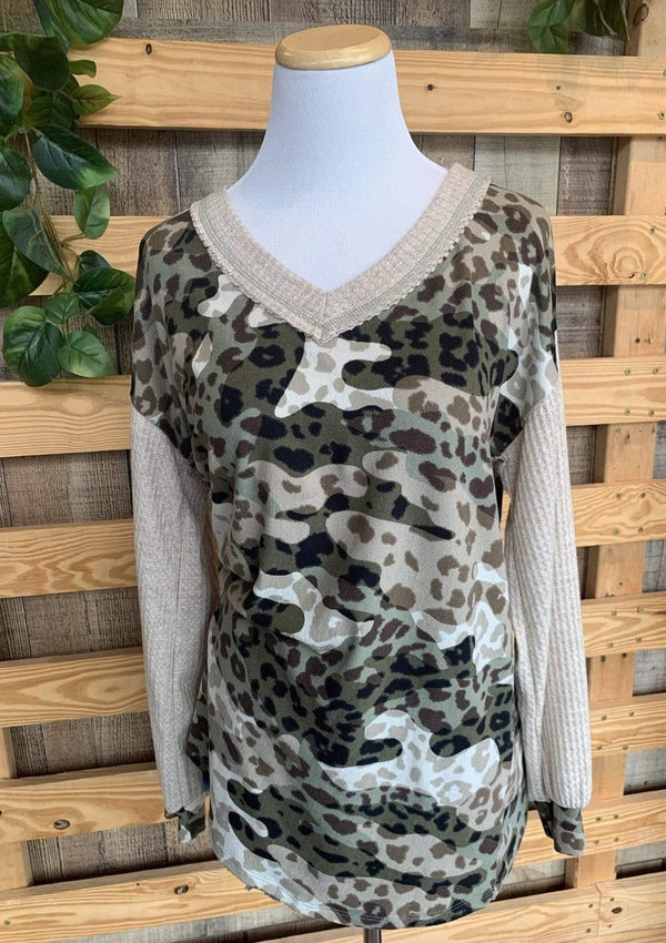 PLUS TOPS S / OLIVE Cozy Camo Top