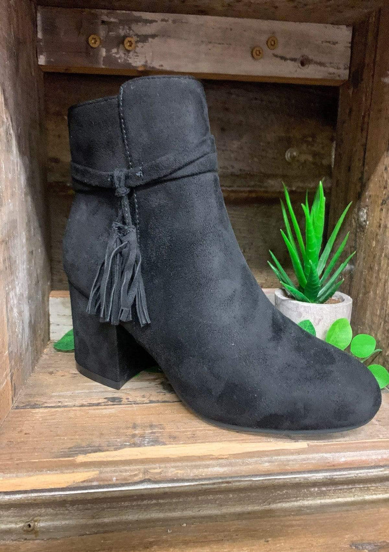 SHOES 6 / BLACK Southern Girl Booties In Black