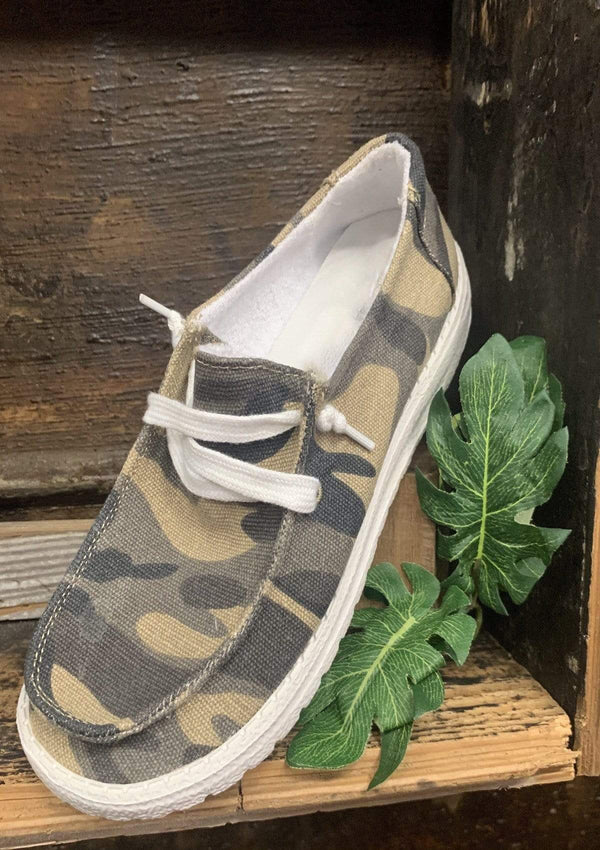SHOES 6 / CAMO Calm To Craze Slide Ons In Camo