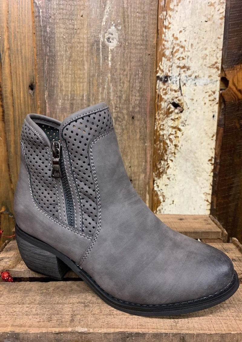 SHOES 6 / GRAY Walk This Way Booties
