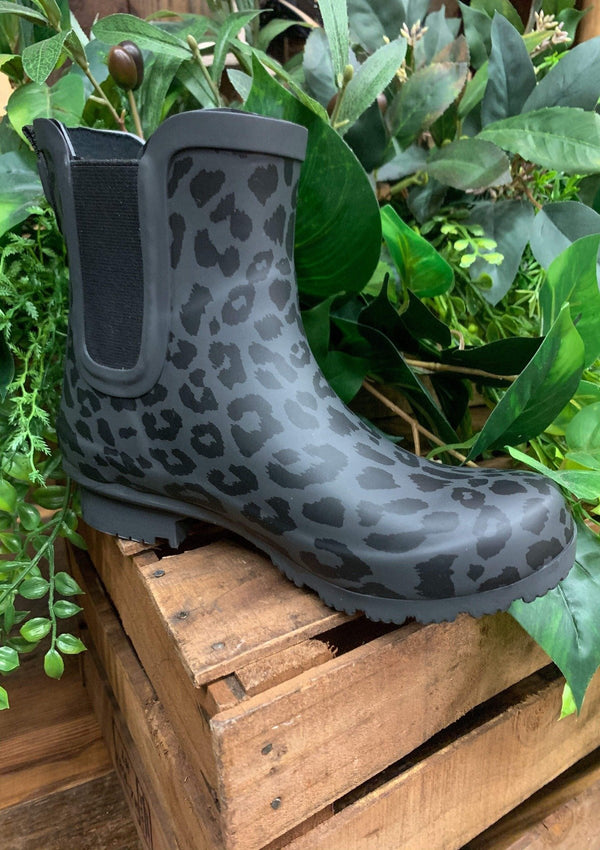 SHOES 6 / MATTELEOPARD Black Leopard Roma Boots