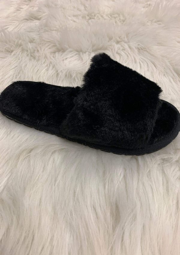 SHOES Fuzzy And Fierce Slippers In Black