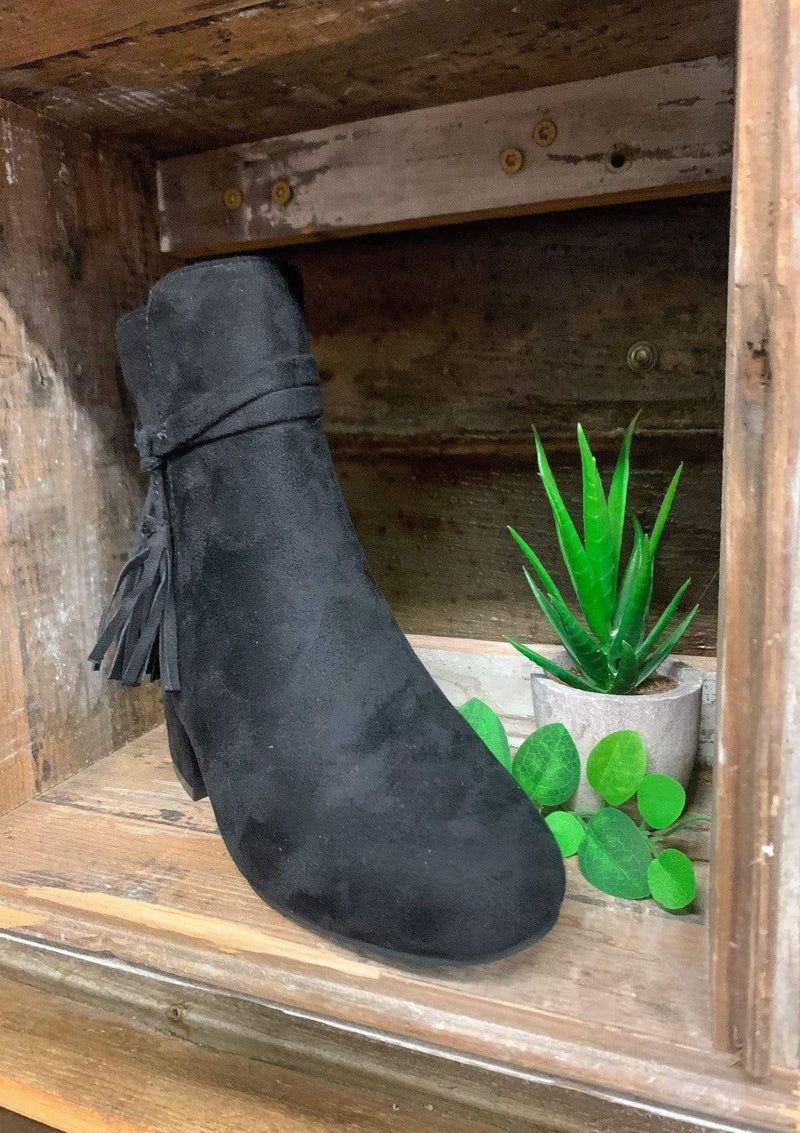 SHOES Southern Girl Booties In Black