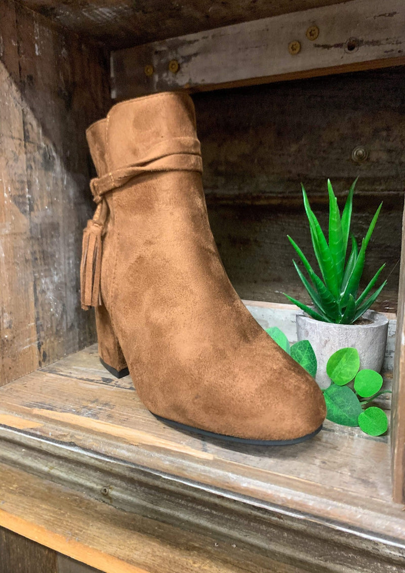 SHOES Southern Girl Booties In Tan
