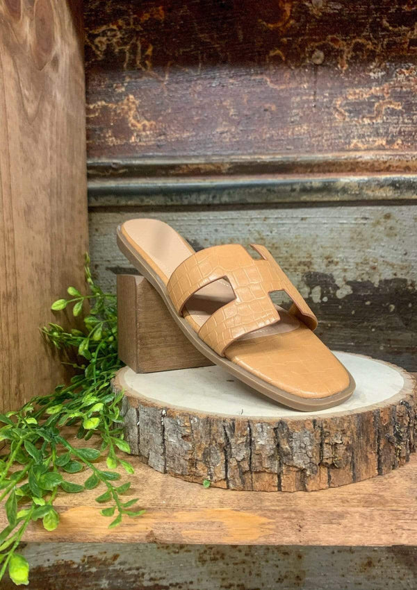 SHOES Stay Classy Sandals In Tan