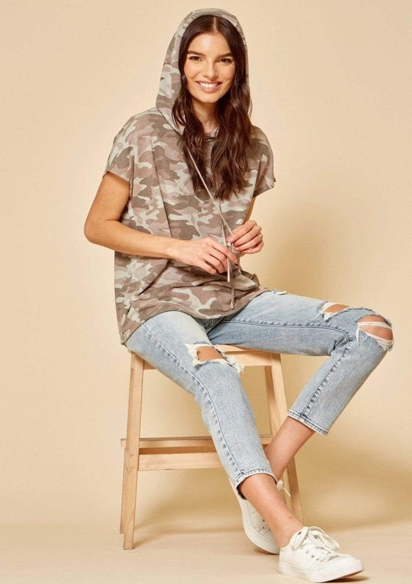 TOPS S / CAMO A New Day Top