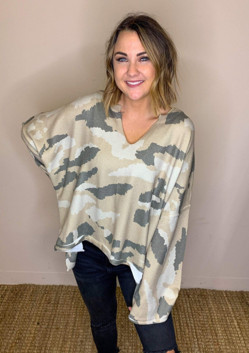TOPS S / CAMO Cozier Here Top