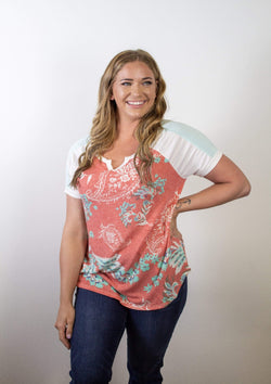 TOPS S / CORAL/IVORY Easy Accents Top