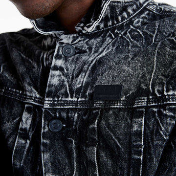 SGT1584 - The Wolf Denim Jacket - Washed Black - Detailed Front Badge