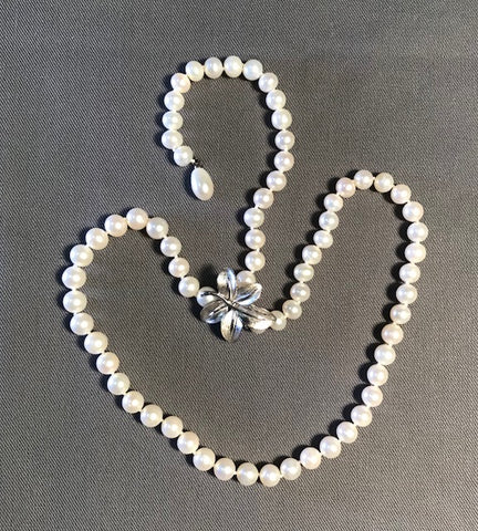 FWP 021 Y-shape white freshwater pearl 6.5 mm necklace 53 cm long.