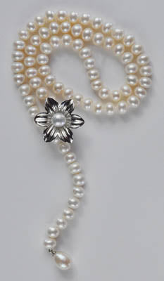 FWP 108 Y shape freshwater pearls necklace.